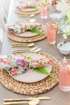 Tips to Set a Gorgeous Floral Summer Tablescape Easter Brunch, Easter Party, Pink Plates, Different Flowers, Tablescapes, Table Decorations, Centerpieces, Pink Summer, Floral