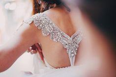 Anna Campbell wedding dress http://nouba.com.au/fitzroy-wedding-oblica-the-robertsons