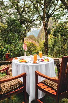 Peru Travel Inspiration - Enjoy breakfast with a view at Belmond Sanctuary Lodge, Machu Picchu.
