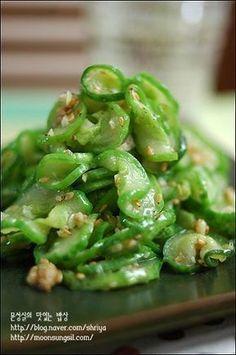 오이볶음 Korean Side Dishes, Vegan Dishes, Food Dishes, Cookbook Recipes, Cooking Recipes, K Food, Korean Food, Japanese Dishes, Easy Cooking