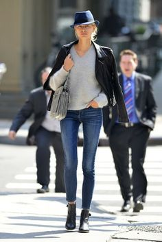 nice street style - skinny jeans, grey sweater, blk blazer, blk ankle boots and a fedora