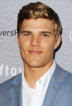 Are you finding Height, Weight, Wiki, Age, Family Biography etc of Chris Zylka? Latino Actors, Actors Male, Black Actors, Young Actors, Handsome Actors, Older Actresses, Blonde Actresses, Actors Funny, Cute Actors