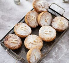 Top 10 best ever mince pie recipes Vegan Mince Pies, Mince Meat, Mini Desserts, Bbc Good Food Recipes, Pie Recipes, Cake Song, Christmas Baking, Xmas Food, Christmas Cakes