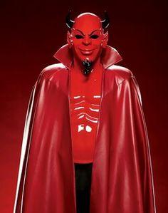 #ScreamQueens - #RedDevil