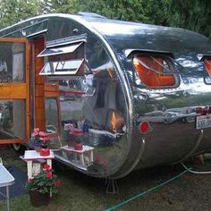 vintage camper.  I want one!