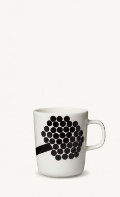 Marimekko's online home for the Hortensie mug. Shop the latest collections and campaigns; find shops and retailers. Marimekko, Home Collections, Latest Fashion, Sweet Home, Black And White, Mugs, Tableware, Gifts, Design