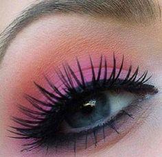 Pretty sunset type eyeshadow