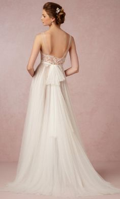 Gorgeous wedding gown http://www.theperfectpaletteshop.com/#!wedding-gowns/c1i1t
