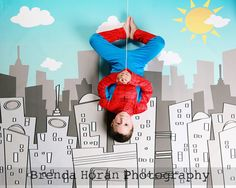 Spiderman photo booth (Babble): Fun idea for a super hero birthday party! Spider Man Party, Fête Spider Man, Superhero Birthday Party, 4th Birthday Parties, Boy Birthday, Birthday Ideas, Themed Parties, Avenger Party, Fete Laurent