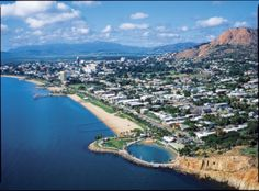 Townsville is a city on the north-eastern coast of Queensland, Australia. Adjacent to the central section of the Great Barrier Reef, it is in the dry tropics region of Queensland. Great Barrier Reef, Australia Living, Australia Travel, Queensland Australien, Tropic Of Capricorn, Australian Capital Territory, Brisbane Queensland, Airlie Beach, Top Destinations