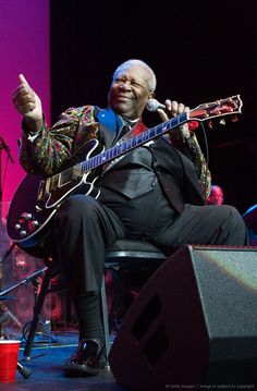 BB King -- I have seen this look many times over the years at various concerts by Mr. Always makes me smile when I see it! RIP King of the Blues, B. Bb King, We Missed You, Rest In Peace, Center Stage, Paul Mccartney, Music Bands, Concerts, Virgo, Over The Years