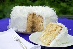 This page contains coconut cake recipes. a delicious, festive cake can be made with the addition of coconut. Sugar Free Desserts, Köstliche Desserts, Sugar Free Recipes, Delicious Desserts, Dessert Recipes, Diabetic Cake, Diabetic Friendly Desserts, Diabetic Recipes, Diabetic Sweets