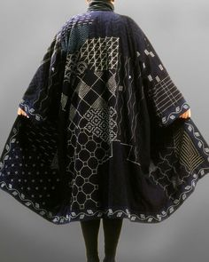 """""""Sashiko"""" Fabric was especially precious in northern Japan,where sashiko originated. For centuries Japanese folk textiles were woven from bast-fiber in Japan was asa (hemp, Cannibis sativa). Vetements Clothing, Japanese Embroidery, Couture, Shibori, Refashion, Wearable Art, Cool Outfits, Textiles, Style Inspiration"""