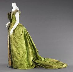 Lime and ecru brocade silk evening gown by Charles Worth, circa 1887. Brooklyn Museum Collection.