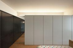 Rehabilitation of an apartment by Correia Ragazzi Arquitectos 21 #bedroom #bedroomideas #bedroomdecor #bedroomdesign #houseidea #housedesigns #interior