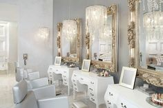 I am loving the Color Salon by Michael Boychuck! It's glitzy, it's classic, it's feminine, it's gorgeous! #elegant_salon_decor