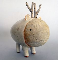 Rounded Moute 1. Ceramic sculpture by Coco & Pompon.