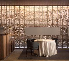 Ricard Camarena Restaurant in Valencia by Francesc Rifé Studio Interior Design Studio, Cafe Design, Design Design, Cafe Restaurant, Restaurant Design, Restaurant Interiors, Vietnamese Restaurant, Restaurant Seating, Casa Loft
