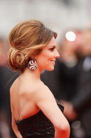 Cheryl Cole - bouffant updo | Hair Extensions: 10 Easy Styles - via MyDaily