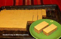 Orechový zákusok so žĺtkovou polevou (fotorecept) No Bake Cake, Cornbread, Cheesecake, Dairy, Baking, Ethnic Recipes, Cakes, Basket, Millet Bread