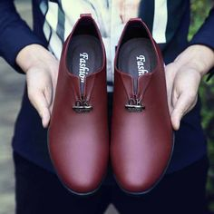 Red metal design slip on leather oxford dress shoe 01 Leather Dress Shoes, Leather Dresses, Sneakers Fashion, Fashion Shoes, Older Mens Fashion, Shoes Online, Men Dress, Oxford Shoes, Slip On