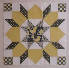 "16"" Dutch Rose Quilt Block | Double Nickel Quilts"