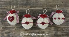 Pattern to create your own fancy woolen Xmas balls - easy PDF tutorial - easy-to-make unique handmade Christmas decorations Christmas Bags, Christmas Time, Christmas Crafts, Christmas Ornaments, Crafts To Do, Diy Crafts, Burlap Gift Bags, Handmade Christmas Decorations, Tree Decorations