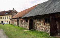 Инстербург Cabin, House Styles, Home Decor, Decoration Home, Room Decor, Cabins, Cottage, Home Interior Design, Wooden Houses