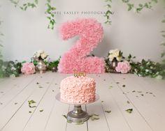 pink and floral whimsical princess cake smash session www.racheleasleyphotography.com.au Brisbane AUSTRALIA