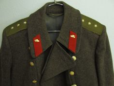 Lot 1 in the March 19th auction: Vintage USSR Soviet Officers Winter Military Coat #potofgoldauction #military #coat #vintage #USSR