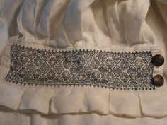 """mid century style English Tudor men's shirt, with """"blackwork"""" embroidery pattern. The pattern can be charted directly back from the famous """"Seymour cuffs"""" (portrait of Jane Seymour completed by Hans Kasuti Embroidery, Simple Embroidery, Embroidery Patterns, Stitch Patterns, Renaissance, Historical Costume, Historical Clothing, Mens Garb, Tudor Costumes"""