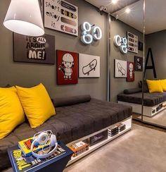 Quarto em tons de cinza com amarelo! Ô combinação mais linda 💛🖤 #arquiteturaz ⠀ Autori