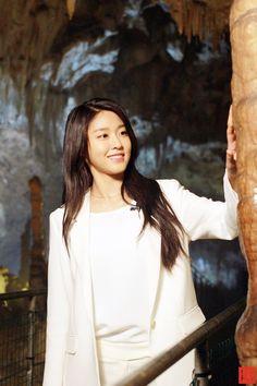 AOA 설현 SeolHyun 雪炫 광고 행사 차 간 프랑스 피레네 2017.08