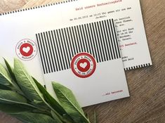 """Einladungskarte """"Streifenliese"""" Modern-verpielt zur Hochzeit Invitation Text, Invitations, Print Release, Custom Buttons, How To Apply, Romantic, Cards, Invitation Cards, Getting Married"""