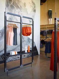 goCstudio has designed the flagship retail shop for Oiselle, a women's running apparel company. Retail Fixtures, Store Fixtures, Visual Merchandising, Clothing Store Interior, Retail Interior, Tap Room, Retail Space, Shop Interiors, Design Furniture