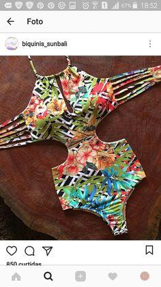 Maiô estampado com recortes na lateral Plus Size Swimsuits, Cute Swimsuits, Women Swimsuits, Summer Bathing Suits, Cute Bathing Suits, Bikinis, Bikini Swimwear, Summer Outfits, Cute Outfits