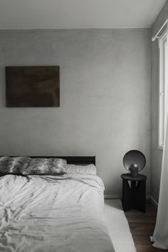 Se den Los Angeles-inspirerede lejlighed i Humlebæk Pierre Jeanneret, Machine Gun Kelly, Fritz Hansen, Wabi Sabi, Small Living, Modern Lighting, Neutral Colors, Minimalist, Interior