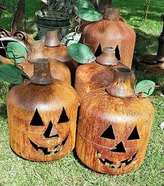 Propane Tank Luminary: LOVE this for Halloween Halloween Yard Art, Rustic Halloween, Halloween Projects, Fall Halloween, Halloween Decorations, Fall Decorations, Halloween Ideas, Metal Art Projects, Welding Projects