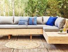 Why Teak Outdoor Garden Furniture? Outdoor Sofa, Outdoor Garden Furniture, Garden Chairs, Outdoor Seating, Outdoor Spaces, Outdoor Living, Outdoor Decor, Chill Lounge, Lounge Sofa