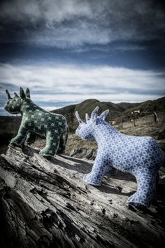Groenfontein Toy Project  100% Handmade in South Africa from Shweshwe fabric.  #projectza #capetown  #southafrica #handmade ProjectZA.com Sewing Ideas, Sewing Patterns, Project 100, Farm Shop, Fabric Toys, Out Of Africa, Rhinos, Afrikaans, Stuffed Toys