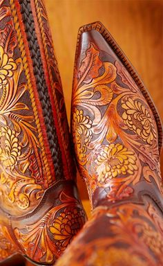 Urban Cowgirl: Rocketbuster Boots in the Big City - Çizmeler Cowgirl Chic, Cowboy And Cowgirl, Cowgirl Style, Cowgirl Boots, Western Boots, Cowboy Hats, Riding Boots, Estilo Country, Shoes