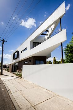 Local heroes: Triangle House by Robeson Architects. Image by Dion Photography. Vincent St, Mt. Lawley. Perth Residential Architecture.
