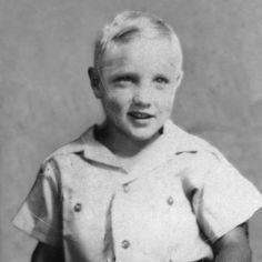 1957-Elvis Presley