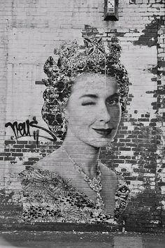 ZsaZsa Bellagio – Like No Other God save the Queen