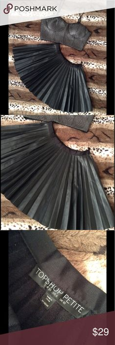 🔥 TOPSHOP Black Petite Pleated Mini Skirt Beautiful, perfect condition | Size 6 Petite | Zip at the hip and a ribbon waistband. Topshop Skirts Mini