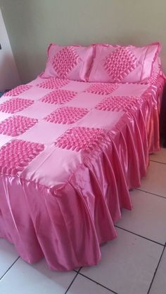 How To Do Canadian Smocking Matrix Desig - Diy Crafts - Marecipe Satin Bedding, Cotton Bedding, Bed Sets, Bed Sheet Sets, Queen Size Bedding, Bedding Sets, Drap Satin, Pink Satin, Bed Cover Design
