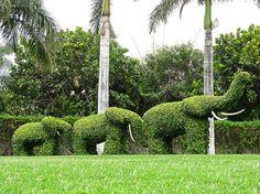 23 Remarkable Grass Sculptures