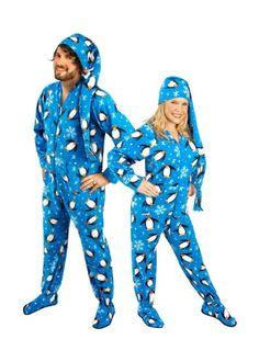 Matching Pajamas for Couples   Snugglenado