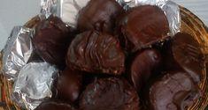 Καριόκες εύκολες Greek Recipes, Cravings, Almond, Food And Drink, Sweets, Homemade, Cookies, Chocolate, Party