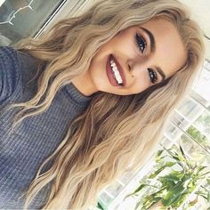 Beautiful hair and makeup. My hair is thick like this except mine is naturally dark now and way shorter. Skin Makeup, Beauty Makeup, Hair Beauty, Makeup Lipstick, Blonde Hair Makeup, Makeup Hairstyle, Hairstyle Ideas, Hair Inspo, Hair Inspiration